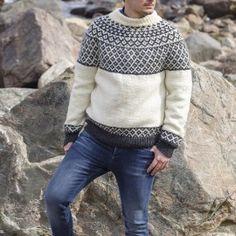 91771 - Genser med rundt bærestykke Oppskrifter Järbo Knitwear, Turtle Neck, Pullover, Knitting, Sweaters, Fashion, Threading, Moda, Tricot