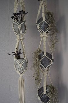 Hottest Cost-Free Large Macrame Plant Hanger / Macrame Plant Hanger / Macrame - H . Suggestions If there is small place for the keeping of flowerpots, holding flowerpots are a great Alternative to Macrame Hanging Planter, Macrame Plant Holder, Plant Holders, Hanging Plants, Macrame Plant Hanger Patterns, Macrame Patterns, Macrame Art, Macrame Projects, Micro Macrame
