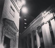 Esquina de Bancos. A la derecha el Banco Italiano a la izquierda el Banco de Reserva del Perú. Esquina de jirones Lampa y Ucayali. #limalaunica by limalaunica