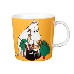 "Arabia's mug ""Moominmamma apricot"" (Muumimamma aprikoosi) with elegant shape and kind motif from the Moomin world. Charming pottery from Finland. Secure payments and worldwide shipping within 24 hours. Moomin Shop, Moomin Mugs, Ceramic Tableware, Ceramic Mugs, Feng Shui, Magic Bag, Moomin Valley, Tove Jansson, 6 Pack"