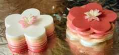 TEACH SOAP is the premier site for soap making tutorials, soap recipes, soap making tips and everything you'd want to know about making soap and other handcrafted products including lip balms, lotions, bath fizzies and lots more. From beginners to seasoned soap makers, TEACH SOAP has something for everyone!
