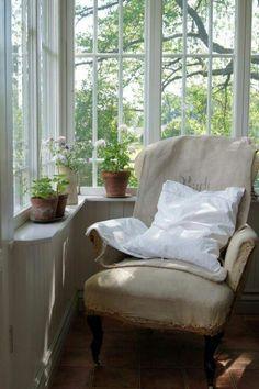 Shelf under windows, around room, for plants.