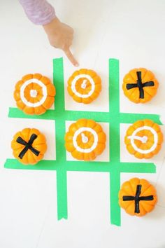 Halloween Crafts for Kids - Pumpkin Tic Tac Toe Thanksgiving Activities For Kids, Thanksgiving Prayer, Halloween Crafts For Kids, Thanksgiving Parties, Thanksgiving Crafts, Thanksgiving Decorations, Holiday Parties, Holiday Fun, Holiday Ideas
