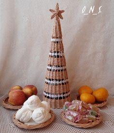 Новый год, елка плетеная