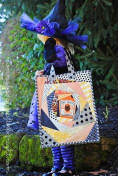 Very cute little bag! Mommy by day Crafter by night: How to Make a Halloween Trick or Treat Bag