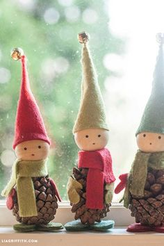 Pine Cone Elves: Make some friends for Elf on the Shelf out of pinecones, felt and wood beads. Find more easy, rustic, and cool DIY Christmas craft ideas that can decorate your home this Christmas here.