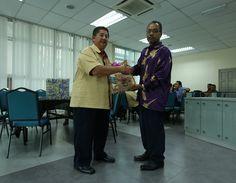 Majlis Persaraan Encik Othman Hadi | Photos