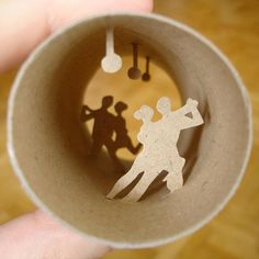It's a toilet paper role! :) Brown Paper Roll, Rolled Paper Art, Tango, Toilet Paper Roll Art, Toilet Art, Tiny World, Cool Artwork, Paper Crafting, Shadow Box