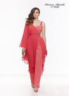 ffac0814e0f3  Elegante  tuta che veste la  donna esaltandone le  curve al punto giusto!   Collection 2015  MySize