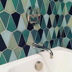 What do you think of this stunning tile from @prattandlarson it's definitely on point with current design trends. Would you put it in your home? #interiordesigner #interiors #interiordesign #bathroomdesign #tiledesign #interiorstyle #designinspiration #designology #designsb by designologysb