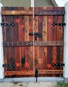 reclaimed wood pallet door