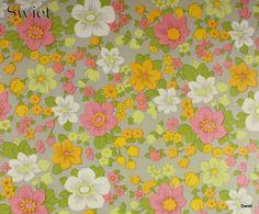 Vintage bloemenbehang   Swiet