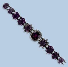 Ankle bracelets they are best used on a normal day out having a good time. Various colored anklets woven from fibers or threads look terrific with casual shoes or flip-flops. Amethyst Armband, Amethyst Bracelet, Diamond Bracelets, Ankle Bracelets, Bracelet Set, Silver Charms, Sterling Silver Bracelets, Silver Earrings, 925 Silver