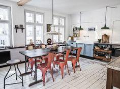 chaises industrielles orange cuisine maisondumonde - Cuisine Industriel Vintage