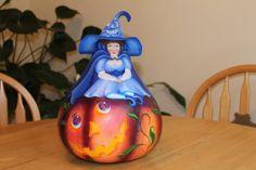 The Pumpkin Queen Gourd
