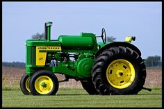 1958 John Deere 720 LP Standard - Only produced for two years, - 1 of 141 built in 1958 Old Ford Trucks, Lifted Chevy Trucks, Pickup Trucks, Old John Deere Tractors, Vintage Tractors, John Deere Equipment, Classic Tractor, Old Farm, Truck Accessories