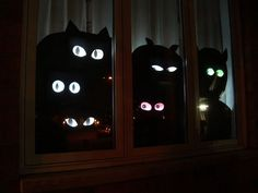 If you are looking for Halloween Window Decoration Ideas, You come to the right place. Here are the Halloween Window Decoration Ideas. Diy Halloween Window Decorations, Halloween Window Display, Halloween Displays, Halloween Home Decor, Holidays Halloween, Halloween Crafts, Decoration Party, Hall Decorations, Halloween 2016