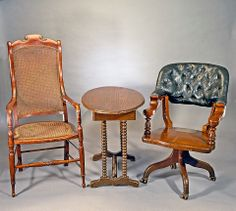 Jan. 19, 1807: Robert E. Lee, Confederate general during the Civil War, is born. He sat in the chair on the left when surrendering to General Grant at the home of Wilmer McLean at Appomattox Court House, Virginia.  Union officers recognized the historical significance of the surrender and took pieces of furniture as souvenirs.