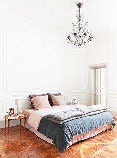 Linen bedsheets for texture