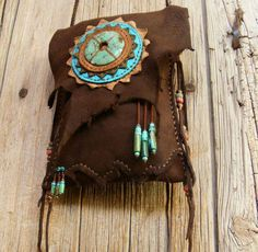 Inspiration: HEADING WEST deerskin Leather Purse with Turquoise, Two Pocket cross shoulder bag Leather Art, Leather Pouch, Leather Tooling, Leather Jewelry, Leather Purses, Art Du Cuir, Crea Cuir, Foldover Bag, Cross Shoulder Bags