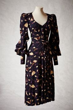 Biba dress, circa 1970, Oh how I wish I were older in the 70s. Maybe in another life;)