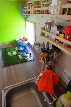 wohwagen einrichtung retro hauch mini k che wohnwagen pinterest retro einrichtung und k che. Black Bedroom Furniture Sets. Home Design Ideas