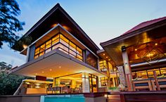 Luxury Dreamhouse with Pool in Zimbali, South Africa