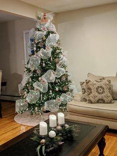 Rose Gold Christmas Tree, Diy Christmas Tree Skirt, Elegant Christmas Trees, Christmas Tree Themes, Christmas Tree Toppers, Christmas Crafts, Christmas Tree Ribbon, Xmas Tree, Holiday Decor