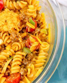 Doritos taco pasta salad - Food and drink - Taco Salad Doritos, Taco Salad Recipes, Pasta Recipes, Mexican Food Recipes, Dinner Recipes, Taco Salads, Taco Dip, Spinach Recipes, Spaghetti Recipes