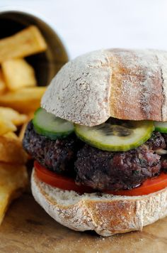 Venison burger with homemade chips