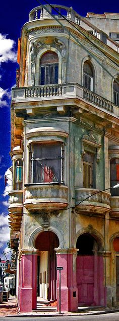 history of cuba Free idea Havana Cuba, Havana Vieja, Cuban Architecture, Vintage Architecture, Architecture Board, Places Around The World, Around The Worlds, Cuba History, Going To Cuba