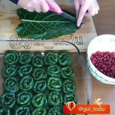 Login Sarma ve dolma – The Most Practical and Easy Recipes Cabbage Recipes, Meat Recipes, Snack Recipes, Cooking Recipes, Armenian Recipes, Turkish Recipes, Pizza Pastry, Ramadan Recipes, Food Decoration