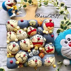 Image may contain: 1 person Cute Snacks, Cute Desserts, Sweets Recipes, Cute Food, Japanese Bread, Japanese Sweets, Cute Bento Boxes, Bread Shaping, Bread Art