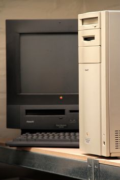 PowerPC Mac and the Performa Black Mac !.