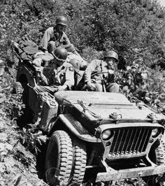 Old photographs of legendary US Army Jeep… on imgfave Jeep Willys, Cj Jeep, Jeep Dodge, Jeep Truck, Jeep Wrangler, Military Photos, Military History, Military Jeep, Offroader