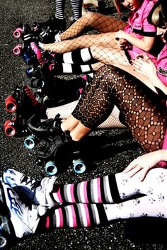 Roller derby  .... I want those lace leggings!