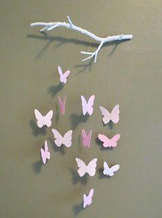 Bastelideen zweige Papier schmetterlinge rosa lila