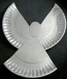Angelito realizado cn un plato de cartón