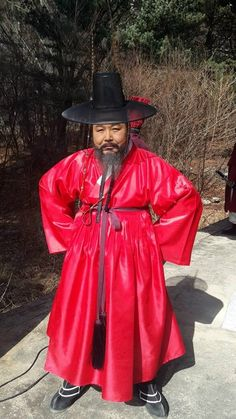"The Jingbirok: A Memoir of Imjin War(Hangul: 징비록) is a 2015 South Korean television series starring Kim Sang-joong as  Ryu Seong-ryong (1542 – 1607) who was a scholar-official of theJoseon Dynasty of Korea. He held many responsibilities including the Chief State Councillor position in 1592. He was a member of the ""Eastern faction"", and a follower of Yi Hwang. He wrote the Jingbirok a first hand account of the Imjin War.  It aired on KBS.  정철"