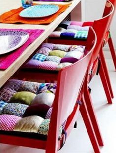 Patchwork is a unique and creative alternative to boring one colour designs. Enjoy our collection of patchwork sofas and miscellaneous furniture. Patchwork can Scrap Fabric Projects, Fabric Scraps, Sewing Projects, Diy Projects, Sewing Ideas, Patchwork Chair, Patchwork Cushion, Patchwork Quilting, Manta Quilt
