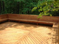 Outdoor Deck Ideas - Get outside living motivation with TimberTech's Deck plans, totally free layout tool as well as suggestions. Obtain influenced to begin your Decking task. Deck Bench Seating, Built In Seating, Built In Bench, Garden Seating, Extra Seating, Outdoor Seating, Outside Living, Outdoor Living, Outdoor Decor