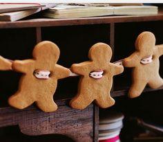Handmade Christmas Decorations - Gingerbread Men Garland  - Click pic for 25 DIY Christmas Crafts