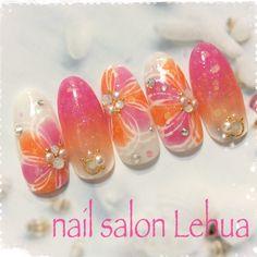 Spring / Summer / Office / Date / Hand-Nail Design by Lehua Nail book - peach nail Sea Nails, Gelish Nails, Spring Nails, Summer Nails, Acrylic Nail Designs, Nail Art Designs, Tropical Flower Nails, Nail Ru, Mauve Nails