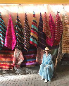 いいね!5,055件、コメント17件 ― 桐島かれんさん(@houseoflotuskaren)のInstagramアカウント: 「カーペット屋さん。#マラケシュ#スーク #ハウスオブロータス #houseoflotus」 Textiles, Light Project, For Stars, Getting Old, Textile Design, Plaid Scarf, Boy Or Girl, Stripes, Knitting