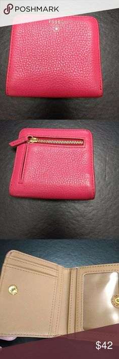 *Sale* Fossil coral pink wallet Pretty pink wallet Fossil Bags Wallets