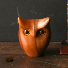 Mid-Century Sculpted Owl now featured on Fab. Wood Carving Designs, Wood Carving Patterns, Whittling Projects, Wood Projects, Wood Sculpture, Sculptures, Wood Owls, Wood Animal, Tree Carving