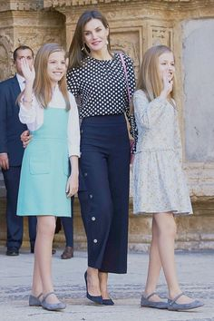 Office Outfits, Chic Outfits, Kids Outfits, Princess Letizia, Queen Letizia, Nautical Outfits, Western Outfits, Royal Clothing, Beautiful Girl Image