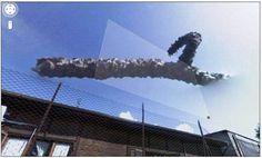 Em algum lugar na Itália, o Google registrou algo estranho no céu — e algumas pessoas podem chegar a pensar que essa massa escura é algum sinal do fim dos tempos. Apesar disso, é muito provável que o fenômeno seja fumaça, alguma formação de nuvens pesadas ou algo deste gênero.  Veja mais imagens interessantes em: http://www.oblogdoseupc.com.br/2013/04/Imagens-bizarras-ou-estranhas-que-voce-pode-ver-no-Google-Maps.html