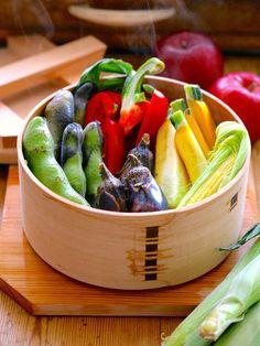 Kitchen Tool : 「栗久」の「曲げわっぱせいろ」/手軽に蒸し野菜をたっぷりと #kitchentools Steam Recipes, Kitchenware, Tableware, Asian Recipes, Ethnic Recipes, Kitchen Tools, Bento, Food Photo, Potato Salad