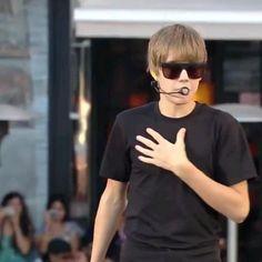 Justin Bieber Video Songs, Justin Bieber Singing, Justin Bieber Gif, King, T Shirts For Women, Music, Mens Tops, Baby, Fashion